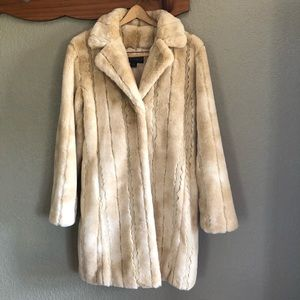 NWOT Kristen Blake M Faux Fur Coat
